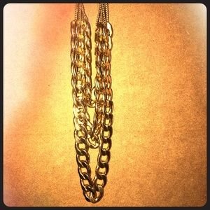 Jewelry - Gold triple chain necklace